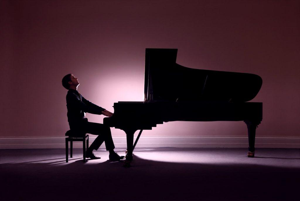 Pianist Finghin Collins